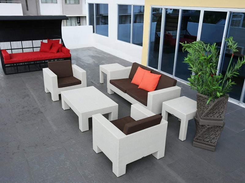 セブ島のアリシアアパーテルの客室 ツーベッドルームエグゼクティブのルーフバルコニー
