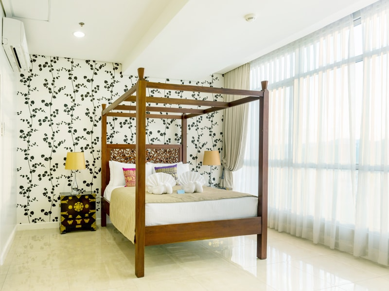 セブ島のアリシアアパーテルの客室 ペントハウススイート121㎡のベッドルーム