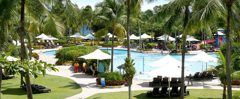 セブ島のリゾートホテルのプール